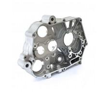 Demi carter moteur droit Central 140cc/149cc YX